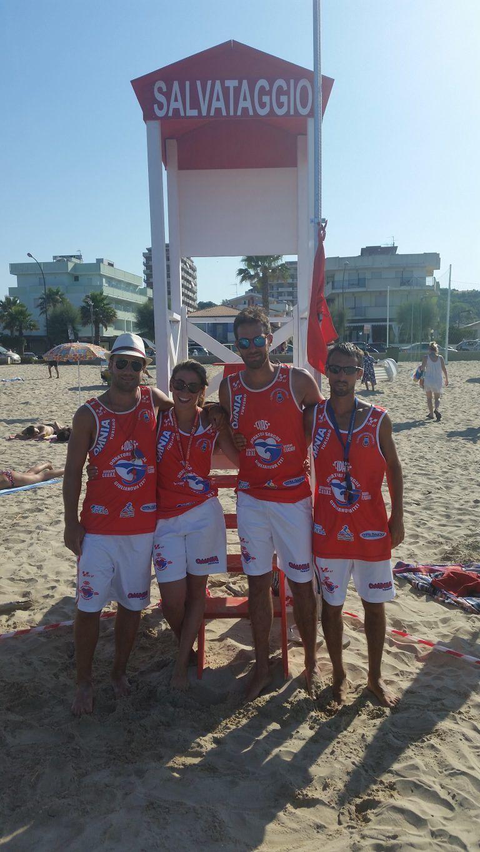 Roseto, stand in spiaggia per promuovere la donazione del sangue