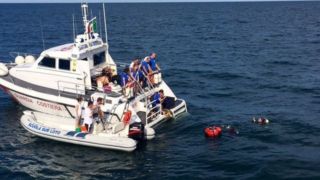 Pescara, curate e rilasciate in mare le tartarughe Teti e Tortuga FOTO-VIDEO