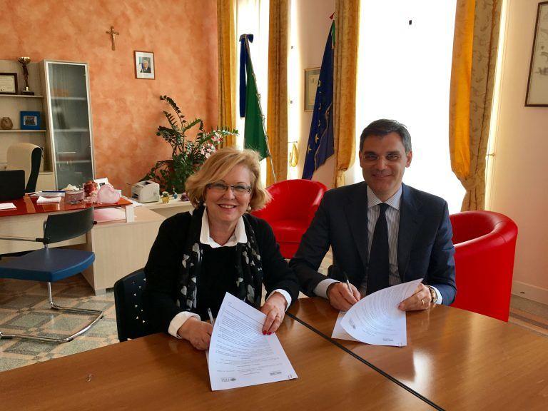 Pescara, alternanza scuola-lavoro: Tito Acerbo e Fira siglano protocollo d'intesa
