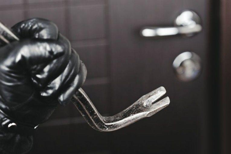 Emergenza furti a Pineto: richiesti controlli e videosorveglianza