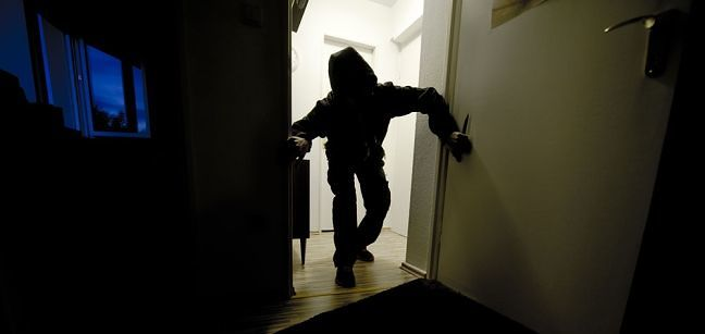 Legittima difesa, novità su rapine in casa e spese processuali