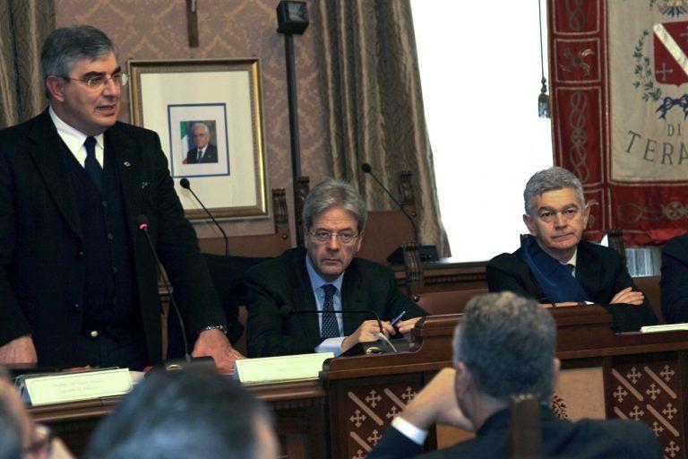 """Teramo, Gentiloni a Teramo promette: """"Lavoreremo in fretta"""""""