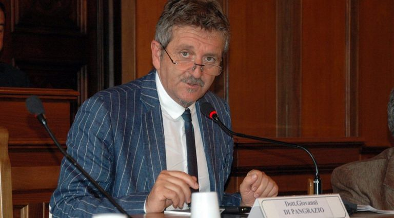 Avezzano, auto blu: slitta il processo per l'ex sindaco Di Pangrazio