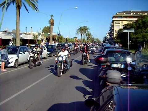 Seicento Harley Davidson a Pescara per il raduno HOG