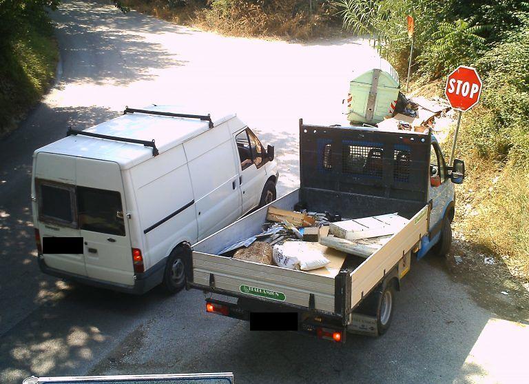 Montesilvano, abbandono rifiuti: multe per 6mila euro in 1 mese