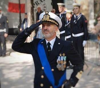 Pescara, il capitano Antonio Catino lascia la Direzione marittima della città