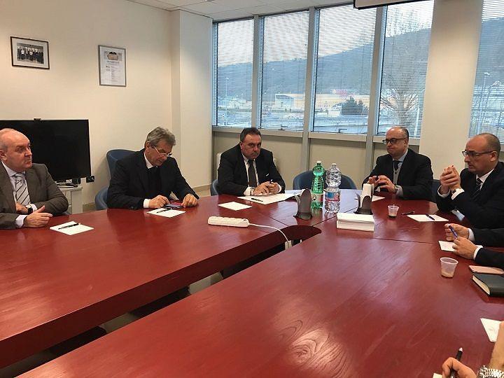 L'Aquila, incontro Confindustria Abruzzo Interno-Arap: più servizi per nuclei industriali