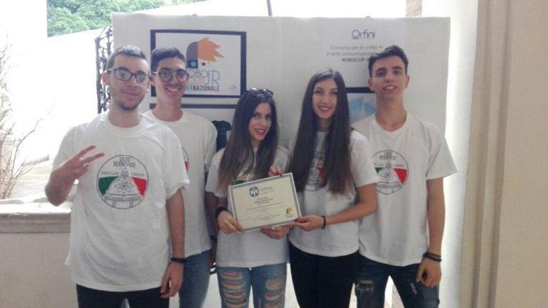 Giulianova, Liceo Curie protagonista alle Olimpiadi di Informatica e al Robocup jr FOTO
