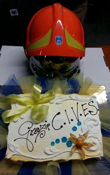 Teramo, cittadini preparano torta per la Cives