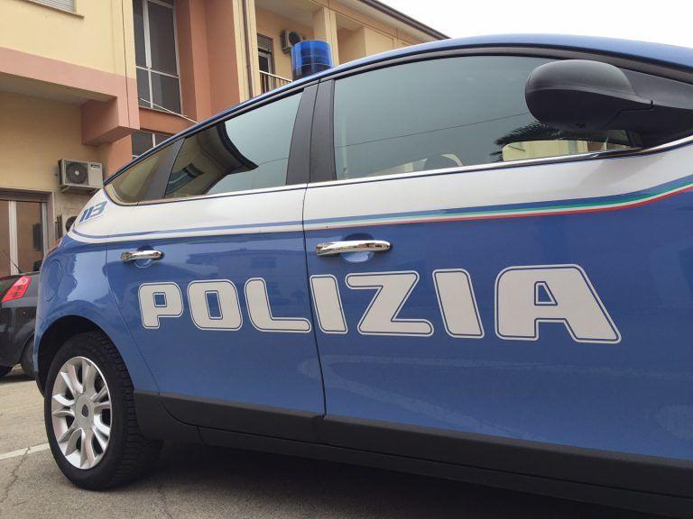 Pescara, furto su auto in sosta: proprietario fa arrestare ladro