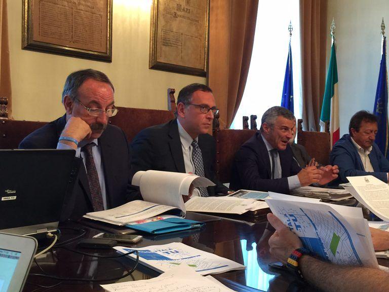 Pescara, mare inquinato: chiesto il processo per sindaco e vicesindaco