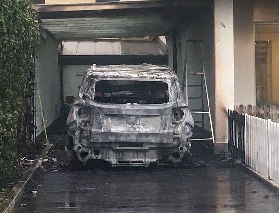 Pescara, in fiamme 2 auto di Daniele Sebastiani