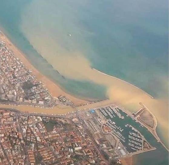 Pescara, il litorale torna completamente balneabile