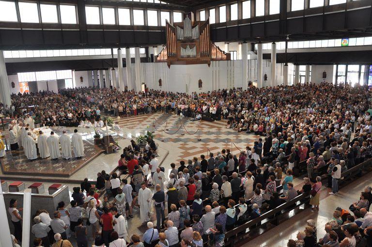 Veglia mariana dei giovani, sabato appuntamento al santuario di San Gabriele