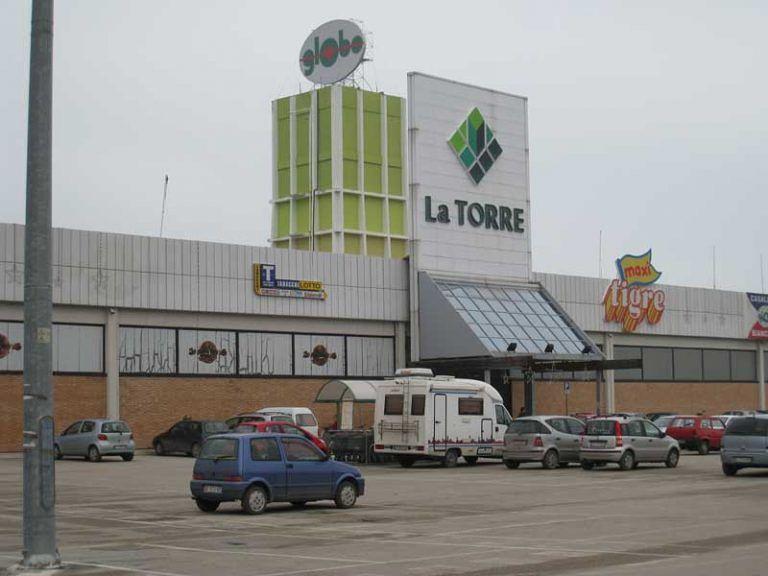 Martinscuro, ruba al centro commerciale La Torre: scoperto e arrestato