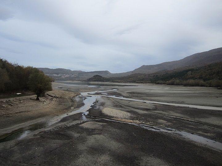 'Il Lago di Barrea ridotto ad una pozzanghera': la denuncia del WWF