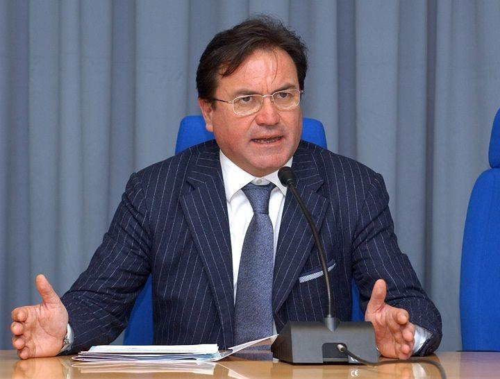 Centri di ricerca Abruzzo, Febbo: 'Via l'assessore Pepe per manifesta incapacità'