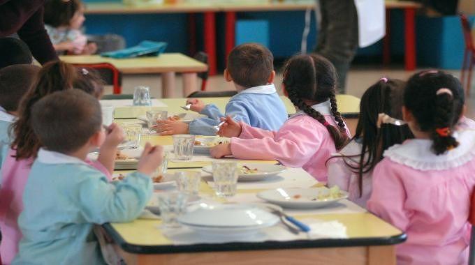 L'Aquila, pagamento buoni pasto online: consegna istruzioni nelle scuole