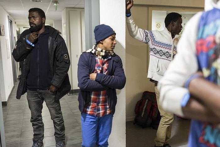 Manoppello: i 24 profughi scendono a 8 ucraini e ghanesi