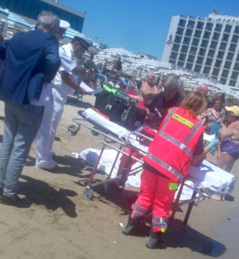 Montesilvano, malore in mare: muore anziano