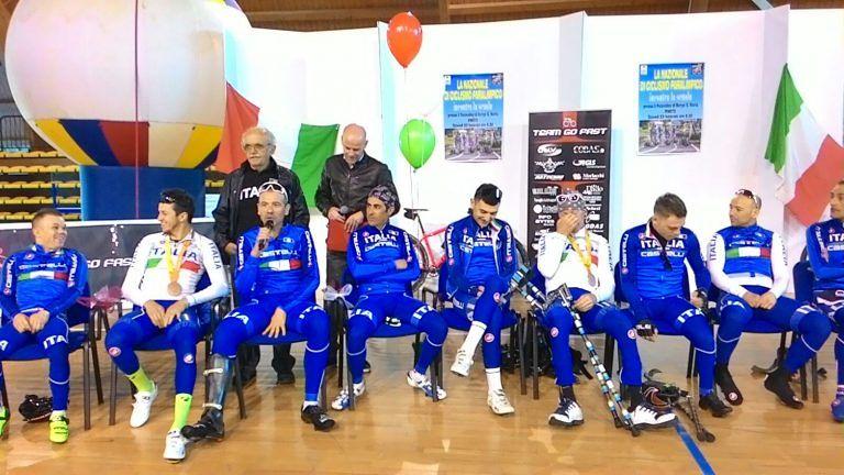 Pineto, la Nazionale paralimpica di ciclismo incanta gli studenti (FOTO e VIDEO)