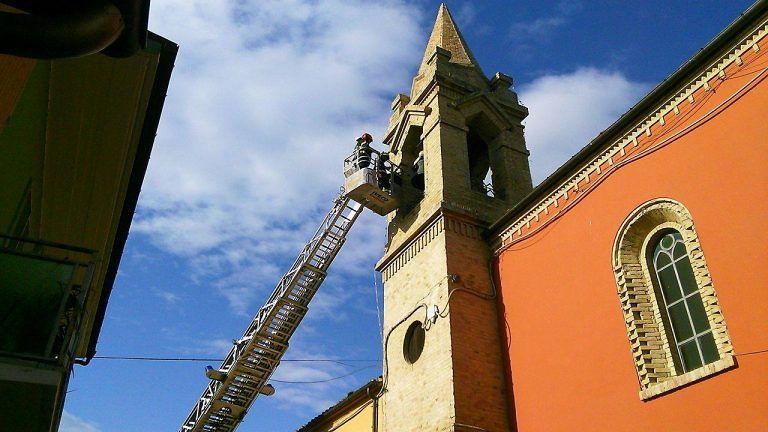 Nepezzano, chiuse in via precauzionale la chiesa e la piazza FOTO
