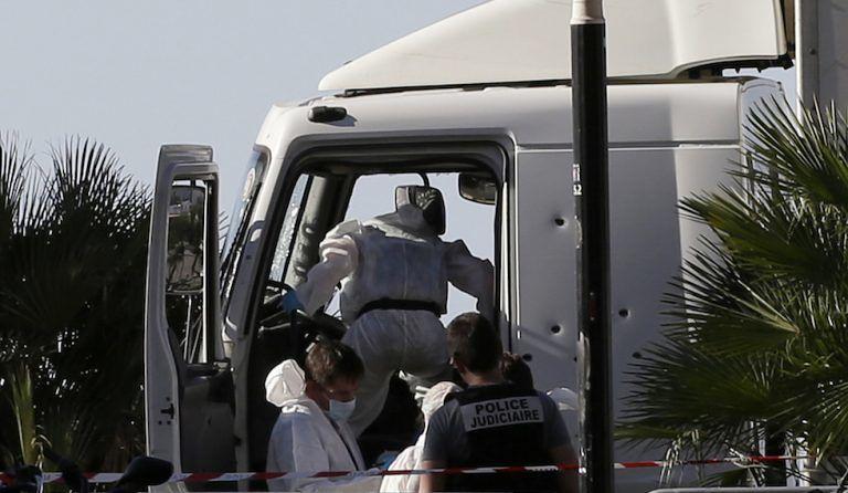 """""""Devo consegnare dei gelati"""", così il terrorista ha beffato la polizia di Nizza"""