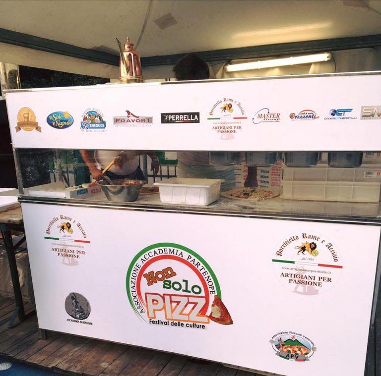 A Montesilvano i maestri della pizza napoletana in tour