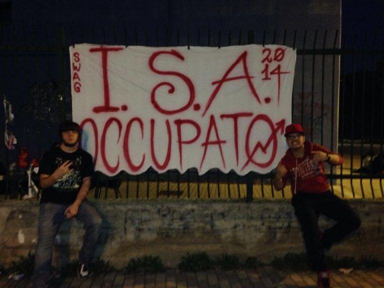 Pescara, al Misticoni-Bellisario serve una terza sede: gli studenti occupano la scuola