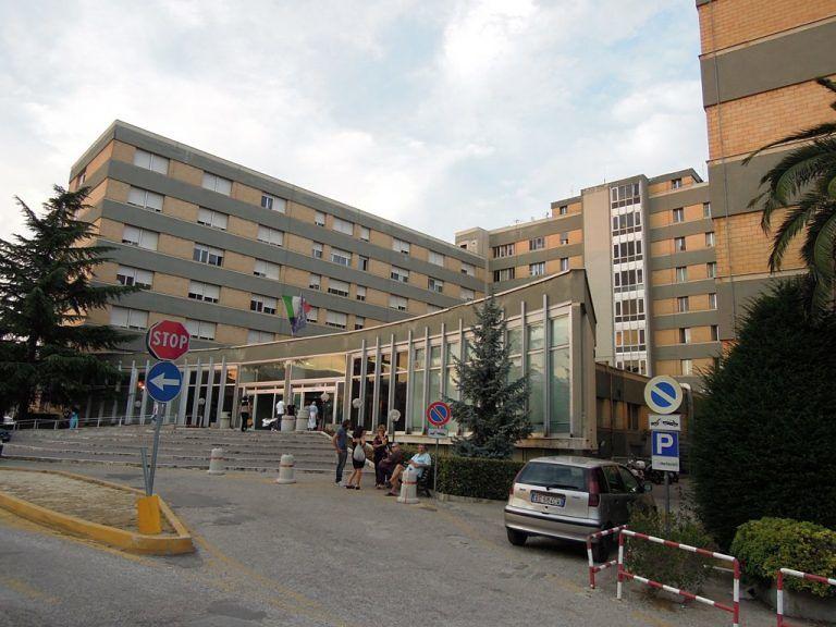 Teramo, cambio gestore: dal primo gennaio chiuso il bar dell'ospedale
