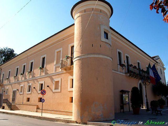 Torevecchia Teatina, a Palazzo Ducale la mostra Oltre l'Abruzzo
