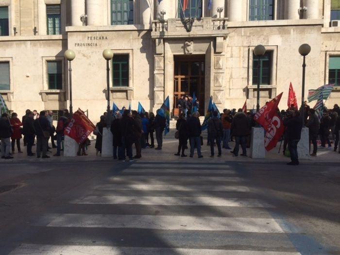 Pescara, rischio licenziamenti: sciopero alla Soget