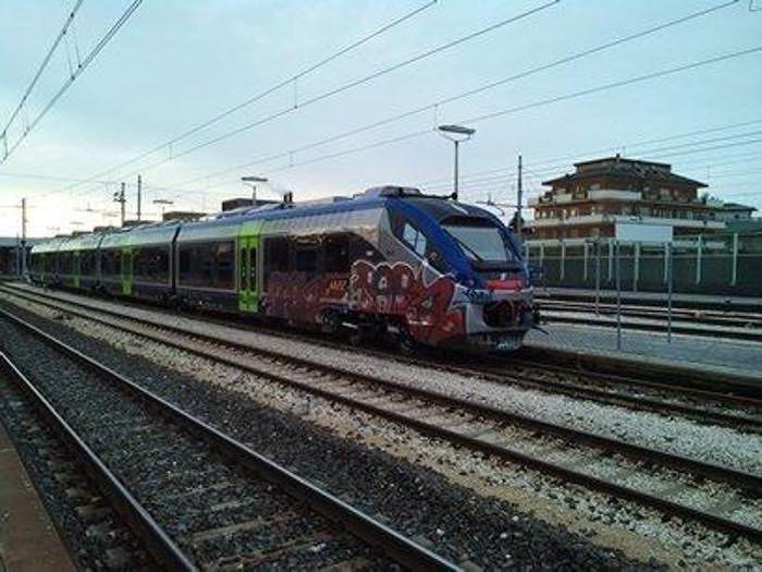 Giulianova, molestie sessuali sul treno: in manette un nigeriano