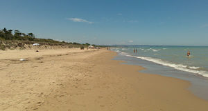 Malore sulla spiaggia in Molise: muore notaio aquilano