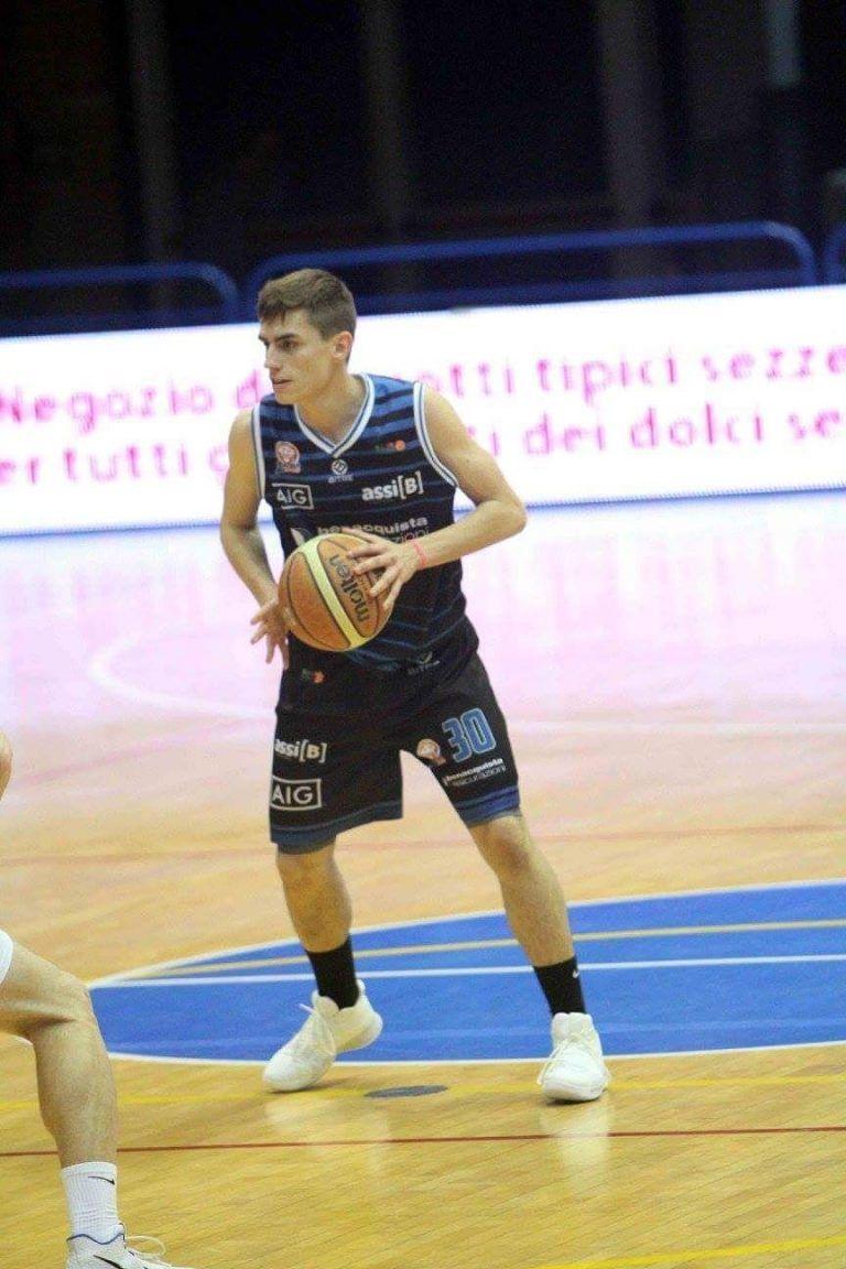 Basket, per la Meta Teramo arriva il play Piccinini