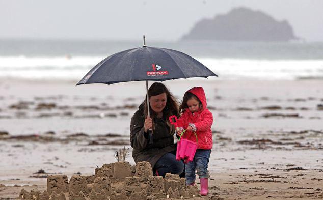 Maledizione del fine settimana, prevista pioggia a partire da venerdì
