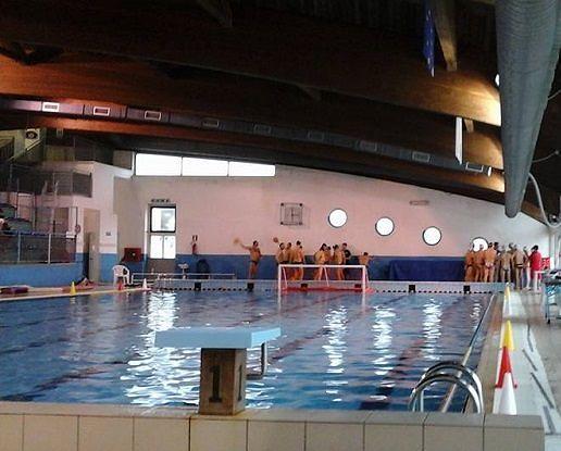 Roseto, istruttore di nuoto muore a 43 anni per un malore