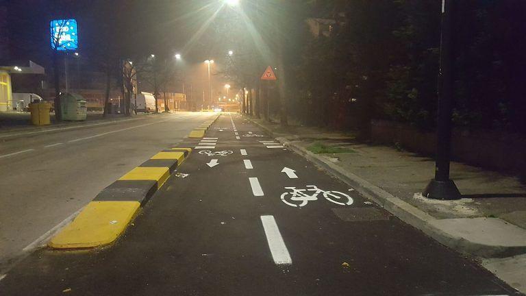 Pescara, via Aldo Moro: 140 parcheggi cancellati dalla pista ciclabile