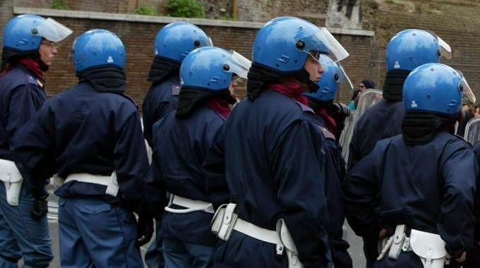 Blitz contro gli anarchici del Fai: in manette anche 2 pescaresi