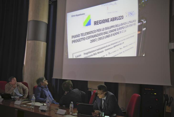 Abruzzo, al via i primi bandi per l'innovazione digitale