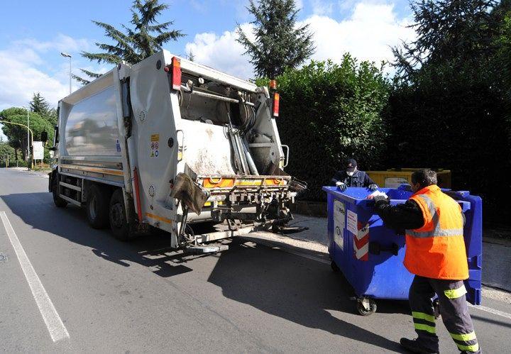 Val Vibrata, raccolta rifiuti. Fiadel: ai lavoratori applicati contratti da cooperativa. Il  caso