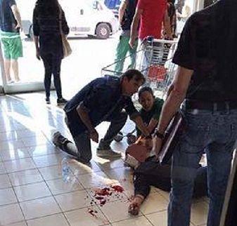 """Martinsicuro, rapina al centro commerciale """"La Torre"""": bottino 17mila euro FOTO"""