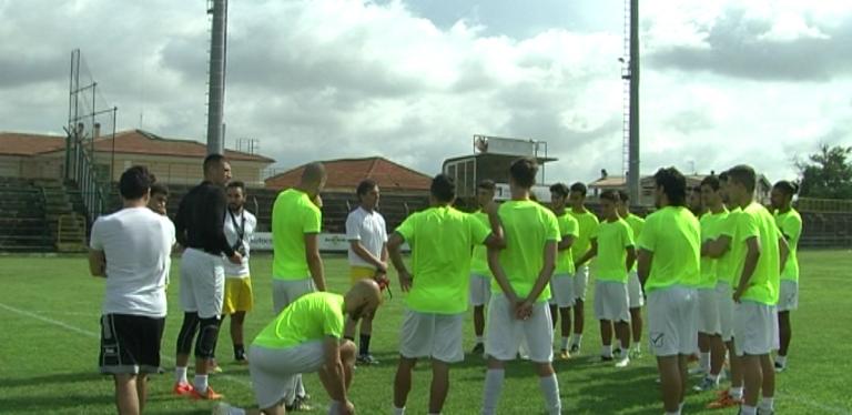 Primo allenamento del Real Giulianova sotto gli occhi di 100 tifosi (FOTO/VIDEO)