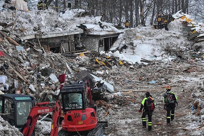 Hotel Rigopiano, il racconto del soccorritore: 'Così abbiamo liberato i bambini' (FOTO)