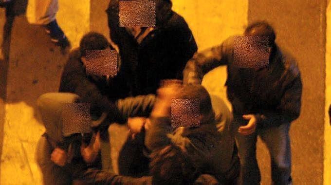 L'Aquila, rissa fra giovani in Via Garibaldi: un arresto
