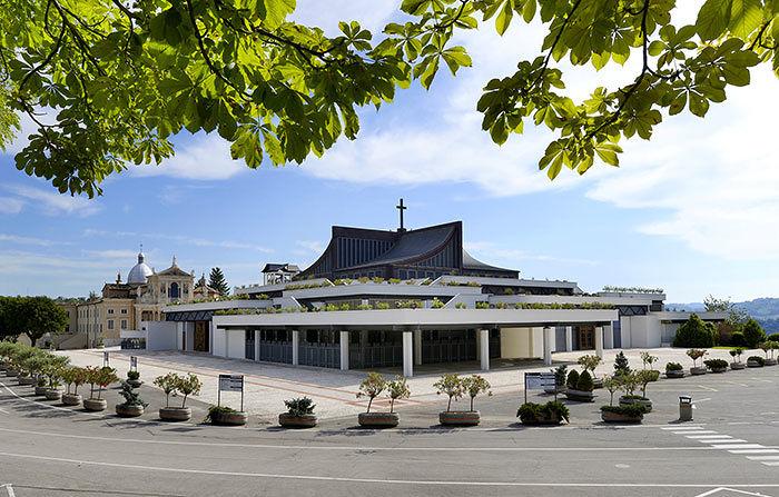 Santuario San Gabriele, dal raduno dell'Anmil allo spettacolo teatrale sull'Heysel