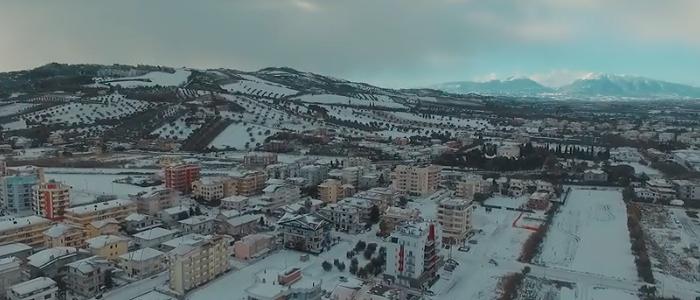 Alba Adriatica innevata, le immagini dall'alto VIDEO