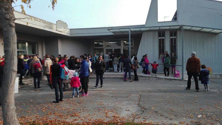 Roseto, scuola Schiazza: riaprono due classi mentre la IVa resta chiusa
