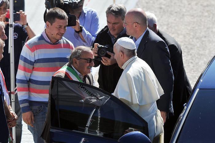 Abruzzo, D'Alfonso e sindaci comuni terremotati in udienza dal Papa