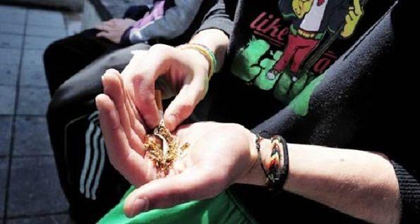 L'Aquila, spaccio di hashish e marijuana: tre giovani in manette